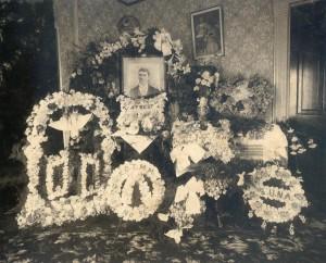funeralflowersinparlor